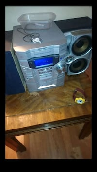 3 disc stereo with 2 external speakers Waddell, 85355