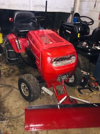 Lawn tractor with plow and deck Aurora, L4G 3B2