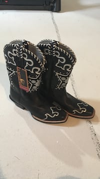 Ariat boots - brand new - women's size 7.5