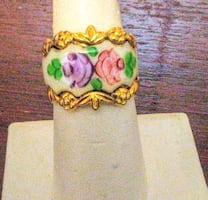 PRICE DROP! Gorgeous Vintage Enamel Inlay Ring