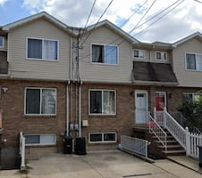 HOUSE For rent 1BR 1BA @ 3908 Victory Blvd # 1, Staten Island, NY 10314