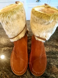 Brand New Tom's Rawhide Suede Boots