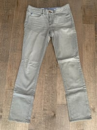 Woman's Light Grey Jeans