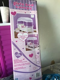 White and purple canopy for toddler bed Spokane, 99205