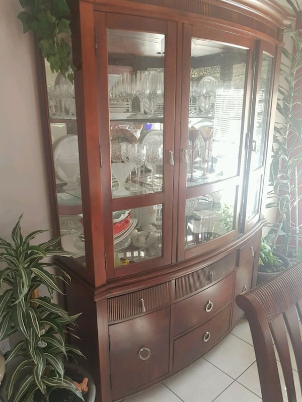 Good condition 8 chair table and hutch 1