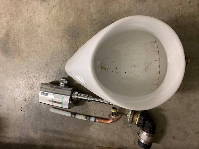 TOTO urinal (eco flush). PRICE REDUCED 7cce4995-66d4-4259-9cad-325c4fad242a