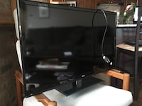 """RCA 31.5"""" Flat Screen TV and DVD Player Chicago, 60661"""