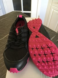 Ladies Adidas Climacool ballerina golf shoes. Brand new in box. Size 6. Black with pink trim