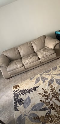 white leather 3-seat sofa Bladensburg, 20710