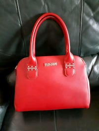 Red Kenneth Cole Handbag Barrie, L4M 6M4