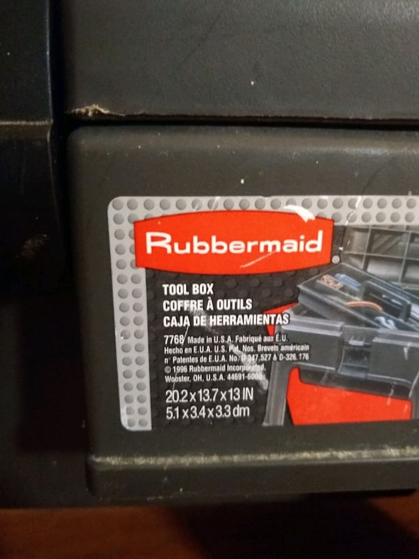 Rubbermaid tool box step stool  11262786-12a3-4098-a4bf-7f453a9eb145