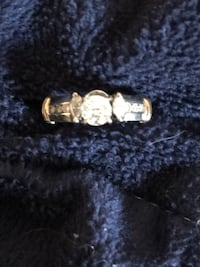 7/8 carat diamond wedding ring. Pictures doesn't do it justice ! Columbus, 43228