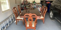 Dining  Table with 6 chairs Leesburg, 20175