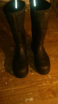 pair of black muck boots Tulsa, 74127