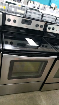 Whirlpool glass top electric Stove 30inches  Riverhead, 11901