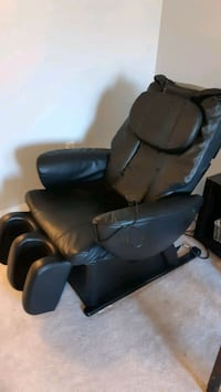 Panasonic EP 1260 massage lounge - excellent condition   Mississauga, L5M 8A2