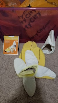 Dog banana costume Lancaster, 29720