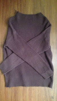 BNWOT size small sweater  Vancouver, V6A