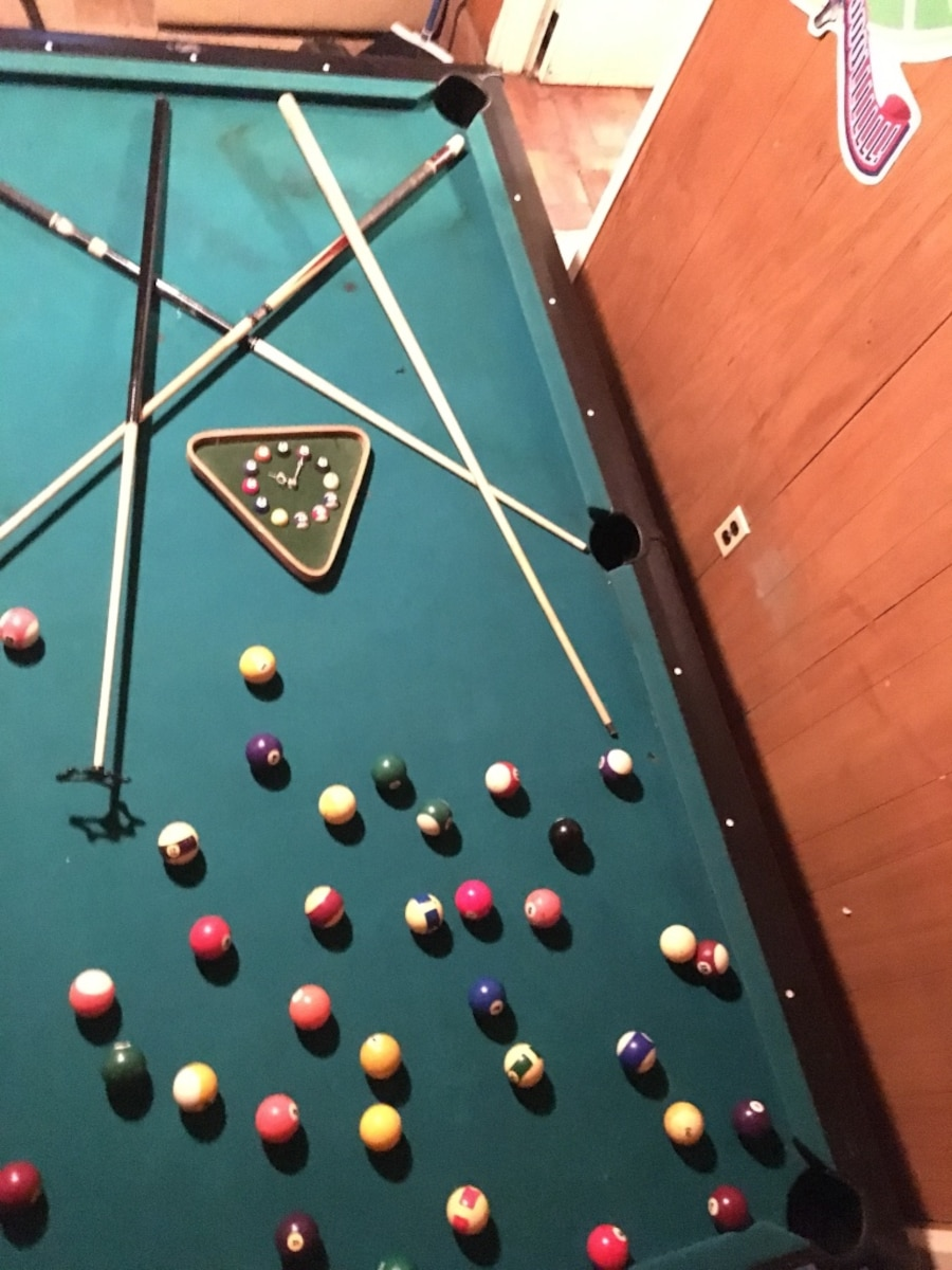 Used 8 Ft Slate Top Pool Table Will Disassemble For Easy Transport Needs New Felt With Multiple Sets Of And Sticks In North Brunswick