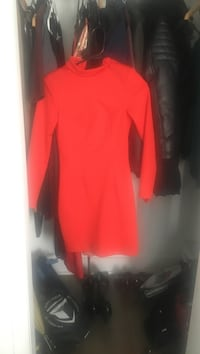 red turtleneck sweatshirt Longueuil, J4K 4B5
