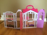 Barbie plastic dollhouse gently used Vaughan, L4J