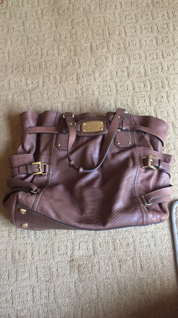 Used Michael Kors Purse for sale in Wyckoff - letgo 4bc516827520d