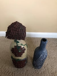 Pair of Home Decorating Vases