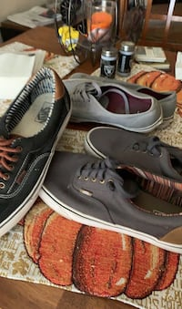 Shoes. VANS OFF THE WALL