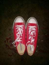 pair of red Converse All Star low top sneakers Stockton, 95210