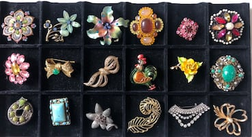Brooches pins price for each