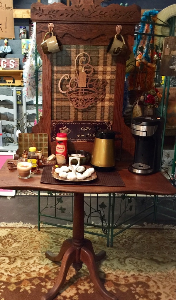 Used Beautiful Tiger Oak Wood Coffee Station Located At Country - Coffee station table for sale