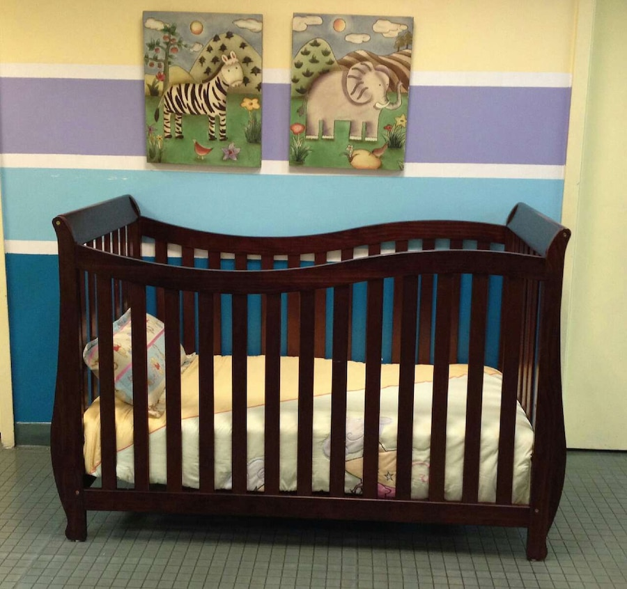 Charmining Lorie Crib With Mattress Included