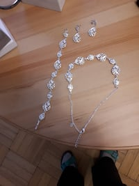 Avon bracelet, earrings and necklace. Scarborough