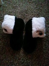 white and black fur-lined snow boots Suitland-Silver Hill, 20746