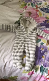 Warm and cozy  3-6 months Vaughan, L4J 1K6