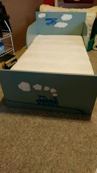 Solid wood toddler bed with crib mattress Abbotsford, V2S 4J3