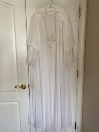 Bridal Nightgown and Robe Set Broadlands, 20148