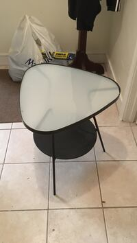 End table perfect condition need to get rid of  Salem, 03079