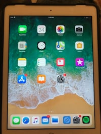 Apple iPad (5th Generation) 32GB Wi-Fi Silver  Clearwater, 33765