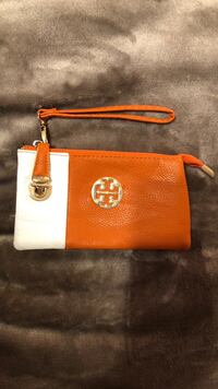 Tory burch wristlet/wallet Kitchener, N2C 2T5