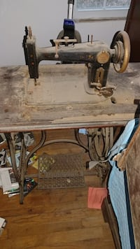 1890 Foley Williams treddle sewing machine Annandale, 22003