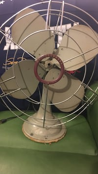 Vintage Westinghouse 1950's desk fan Claymont, 19703