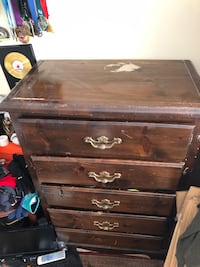 ***MOVING SALE*** 5-DRAWER DRESSER Set