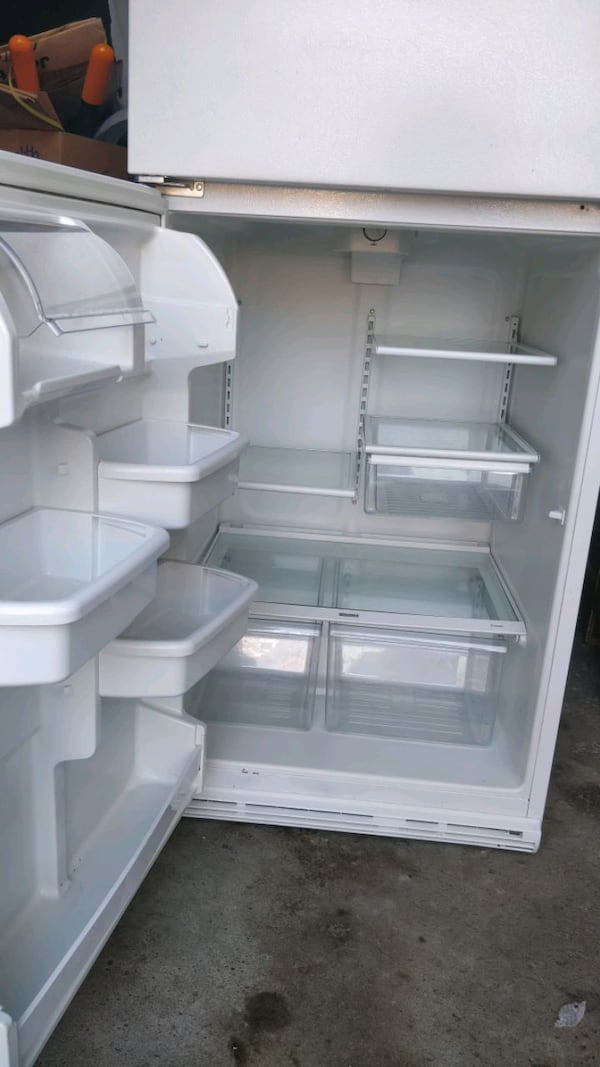 Kenmore fridge mint condition - AS IS 51eca0d4-0959-48d0-be89-1b5935bf2fe1