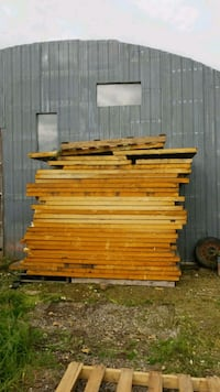 brown and red wooden pallet Welland, L3B 5N4