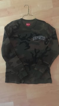 Supreme camo sweater  Langley, V2Y 3B5