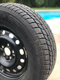 Motomaster 235/70R16 Winter tires with rims