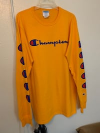 Yellow Champion Long sleeve size large Arlington, 76013