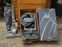 Kirby vacuum sweeper with all accessories and box Connersville, 47331