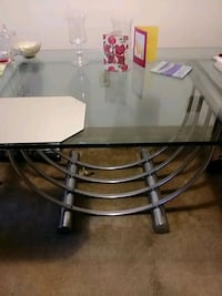 3/4 inch glass top Table.Good condition. Make offer and pick up